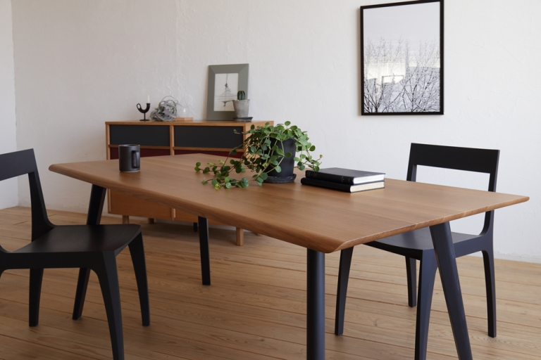 dining-table-cross-2021