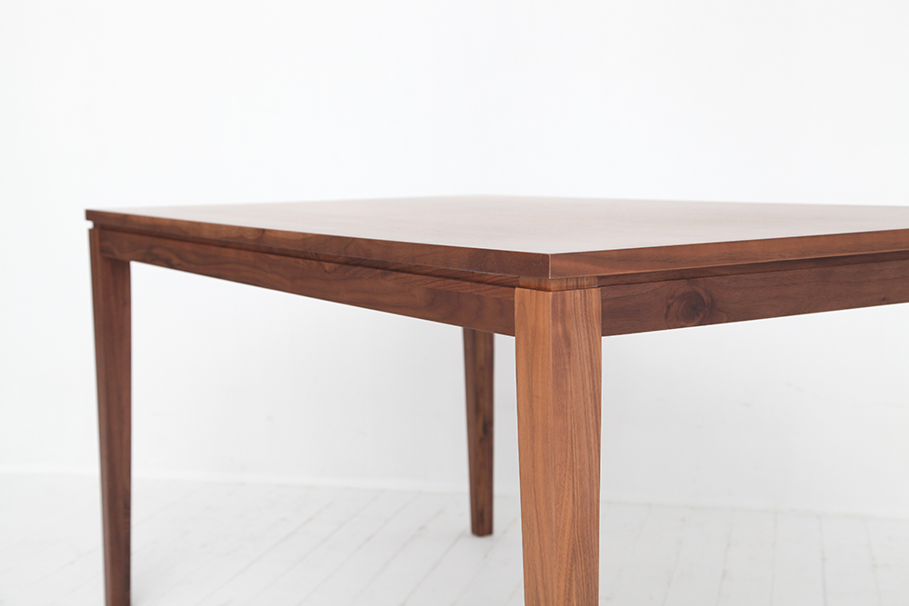 dining-table-wolf